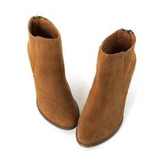 Grace gift: 高級牛麂皮復古粗跟短靴
