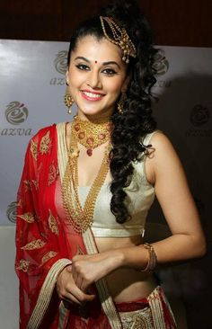 Taapsee Pannu launches Azva jewellery in Trivandrum - Stills,Bollywood Event Most Beautiful Indian Actress, Beautiful Asian Girls, Beautiful Actresses, Simply Beautiful, Bollywood Fashion, Bollywood Actress, Bollywood Gossip, Beauty Full Girl, Beauty Women