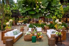 Lounge Party, Wedding Lounge, Bar Lounge, Lounges, Backyard Wedding Decorations, Table Decorations, Wedding Furniture, Miami Houses, Garden Cafe