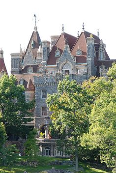 Boldt Castle, Heart Island, Thousand Islands, St. Lawrence Seaway, New York  by Andrew Paterson