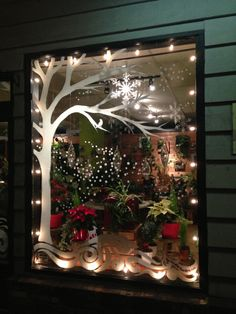 Projects to Try 40 Wonderful Christmas Window Decor Ideas - You will find there are many different window stickers you can buy. Each of these will provide you with a way of decorating your home, car or even pla. Classy Christmas, Office Christmas, Christmas Store, Christmas Art, Christmas Window Lights, Christmas Window Decorations, Holiday Decor, Painted Windows For Christmas, Christmas Window Display Home