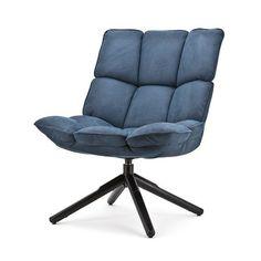 Fauteuil Daan is leverbaar in de kleuren blauw, grijs, cognac en groen. Afmetingen: HxBxD = 88x70x70 cm Stof: Touareg
