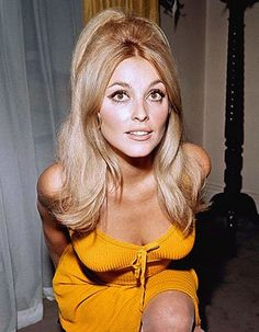 Sharon Tate- Love the big 60s hair!