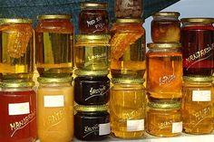 Mierea este cel mai bun produs al albinelor. Asigură rezerva de hrană a familiei de albine și rezistă în timp. Apicultorii se întrec în oferte de diverse sortimente de miere, fiecare dintre ele având un gust aparte si proprietăți terapeutice.