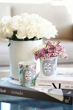 40 Decor Ideas to Reuse Your Diptyque Candle Jars Diptyque Bougie, Diptyque Candles, Scented Candles, Candle Jars, Homemade Candles, Bedside Table Styling, Coffee Table Styling, Decorating Coffee Tables, Kwanzaa