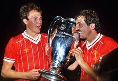 Phil Neal and Alan Kennedy celebrate with the European Cup in Liverpool Legends, Fc Liverpool, Liverpool Football Club, Phil Neal, Liverpool You'll Never Walk Alone, European Cup, Champions League, Soccer, Memories