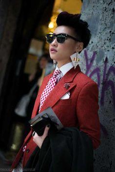 The Female Dandy: An Inspiration Albim Post with 1033 views. The Female Dandy: An Inspiration Albim Queer Fashion, Tomboy Fashion, Mens Fashion, Androgynous Fashion Women, Fashion Poses, Dope Fashion, Female Fashion, Fashion Editorials, High Fashion