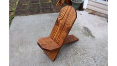 This is a wonderful one board project, you can make one afternoon. This makes a great chair for your yard, your back porch or put it around your fire pit. It only requires a few tools and minimum woodworking skills. No boards are glued together or fastened. They just slide together.Gather Your Boards & Materials Lighted Wine Bottles, Bottle Lights, Twig Lights, Kitchen Plinth, Cheap Diy Home Decor, Felt Leaves, Diy Candle Holders, Faux Brick, Lawn Chairs