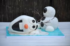 Step bye step- PARTY FOOD & DRINK HOW TO MAKE A FROZEN OLAF BIRTHDAY CAKE