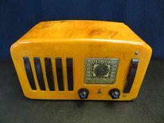 VINTAGE 40s ART DECO EMERSON OLD ANTIQUE BEAUTIFUL COLOR CATALIN BAKELITE RADIO #Emerson