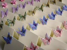 Some origami inspired wedding doodads. Personally, I'm not crazy about the idea of using origami at your wedding unless it's some really ama. Gato Origami, Diy Origami, Fun Wedding Trends, Diy Wedding, Wedding Ideas, Origami Paper Crane, Origami Cranes, Origami Birds, Origami Wedding Invitations