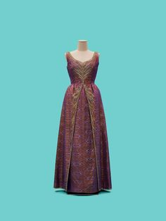 Made of ilk ikat (mat mii) with bead, sequin, crystal, and silk floss embroidery. Queen Sirikit, Thai Dress, Queen Dress, Silky Dress, Saree Dress, Dresses For Work, Formal Dresses, 1950s Fashion