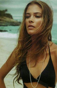 long beach hiar pictures on the beach Beach Hairstyles For Long Hair, Hipster Hairstyles, Cool Hairstyles, Sun Kissed Hair, Alternative Hair, Boho Girl, Glamour, Bad Hair Day, Brown Hair Colors