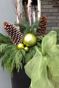 All it needs is red berries. Christmas Urns, Christmas Planters, Christmas Front Doors, Christmas Arrangements, Office Christmas, Elegant Christmas, Outdoor Christmas Decorations, Green Christmas, Christmas Colors