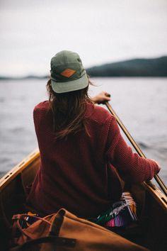 maglione rosso - acqua - movimento