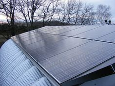 gh protect the space from heat with solar panel array and plants (avoid insulating if possible for cost and aesthetics) Solar Panel Battery, Solar Panel Cost, Solar Energy Panels, Solar Panels, Metal Building Kits, Steel Building Homes, Arch Building, Quonset Hut Homes, Barn Homes