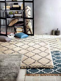 SELENCY : Material / Textile / living room / vintage rug