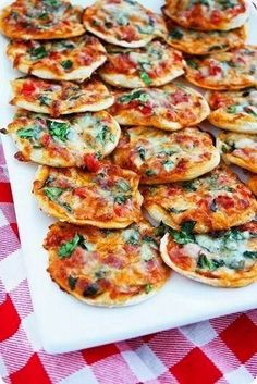 Easy Recipes, Low Calorie Recipes, Healthy Weight Loss Recipes Party Food Kids, Birthday Party Food For Kids, Kids Pizza Party, Kids Party Finger Foods, Easy Finger Food, Finger Food Recipes, Picnic Finger Foods, Italian Finger Foods, Quick Party Food