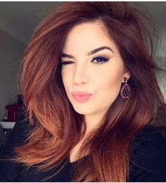 Get Gorgeous Hair Color With Henna Dye Enchanting red hair color – Station Of Colored Hairs Dark Auburn Hair, Hair Color Auburn, Red Hair Color, Hair Color Balayage, Cool Hair Color, Color Red, Haircolor, Hair Color For Tan Skin, Medium Auburn Hair