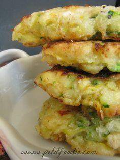 zucchini fritters www.petitfoodie.com