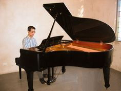 Looking for a wedding pianist in Melbourne, look no further than Calvin Leung