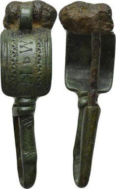 IMPERIO ROMANO. Peroné. Bronce y de Hierro. Anverso:. Rev:. . Longitud: 65 mm Estado: Intacto; con la aguja. Peso:. g Diámetro: mmLot-866