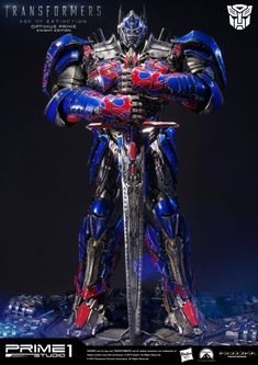 Optimus Prime from Transformers: Age of Extinction that I worked on for Prime 1 Studio. On this statue I was responsible for all the modeling except the base. The pose and the preparation for printing was done by the staff at prime 1 studio. Transformers Prime, Transformers Bumblebee, Transformers Collection, Knight, Robot, Sideshow Collectibles, Alex King, Motorcycles, Alien Concept
