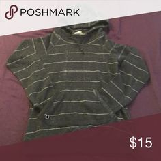 Roxy hooded sweater Roxy hooded sweater, just in time for fall! Size medium. Black and white distressed look. Roxy Sweaters