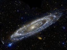 Галактика Туманность Андромеды в ультрафиолетовом спектре / IP Neo