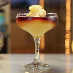 Red Wine Cocktails, Peach Drinks, Cocktail Recipes, Wine Flavors, Raspberry Liqueur, Peach Puree, Alcholic Drinks, Peach Bellini, Tipsy Bartender