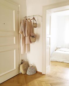 hello sunshine ☀️ wish all a nice sunny day ! Dream Apartment, Hello Sunshine, Sunny Days, Sunnies, Boutique, Shelves, Nice, Interior, Entryway