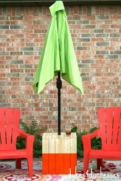 DIY Color Block Umbrella Table - Dukes & Duchesses
