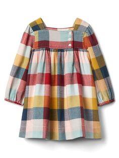 Little girls plaid flannel dress. Baby Dress Design, Baby Girl Dress Patterns, Little Girl Dresses, Girls Dresses, Baby Dresses, Sewing Baby Clothes, Baby Kids Clothes, Fall Clothes, Clothes Women