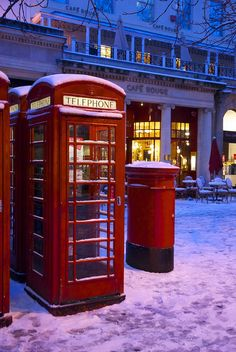 A phone box and a pillar box (mailbox) on the Promenade, Cheltenham. London Telephone Booth, Vintage Telephone, Cheltenham Spa, Antique Mailbox, Letter Boxes, British Things, Winter Scenery, Post Box, England And Scotland