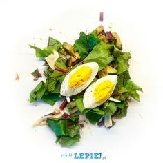 Projekt Lepiej - Sałatka z botwinką awokado i jajkiem