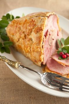 Leave it to Paula Deen to find a way to make even Christmas Ham more fattening! Still it looks pretty yummy. Christmas Ham Recipes, Holiday Recipes, Great Recipes, Favorite Recipes, Holiday Ham, Christmas Entrees, Christmas Foods, Holiday Dinner, Yummy Recipes