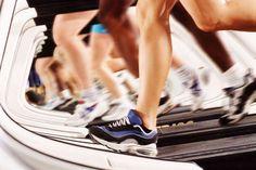 Im Fitness-Studio erwarten Sie viele Cardio-Geräten. Laufband, Crosstrainer, Rudergerät oder Ergometer: welches Ausdauertraining ist am effektivsten?