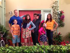 Super Snap Funky pose? Check! Priceless fish face? Check! The Thundermans cast is bringing it in and giving it all they've got for this supe...