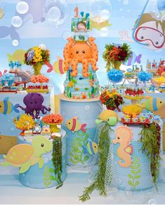 The best of children's party inspiration! Prince Birthday Party, 1st Birthday Parties, Birthday Party Decorations, Pool Party Cakes, Little Mermaid Parties, Under The Sea Party, Baby Party, Mermaid Birthday, Baby Shark
