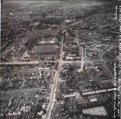 Amersfoort: Luchtfoto van de Leusderweg (1956)