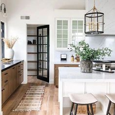 Wether you are designing your dream kitchen or just trying to dial in the the one you have, today we are sharing great ideas for a well organized space. #kitcheninterior