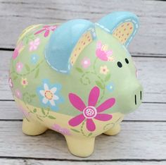 Daisy Garden Artisan hand painted ceramic by Alphadorable on Etsy Personalized Piggy Bank, Personalized Gifts, The Little Couple, Color Me Mine, Cute Piggies, Painted Pots, Hand Painted Ceramics, Ceramic Painting, Creative Crafts