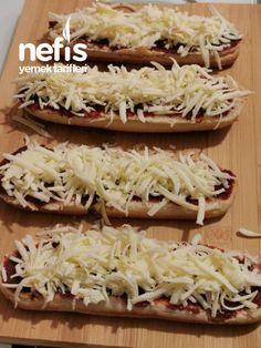 Parmak Yedirten Açık Tost - Nefis Yemek Tarifleri Turkish Recipes, Ethnic Recipes, Breakfast Biscuits, Iftar, Ham, Cabbage, Sandwiches, Yummy Food, Delicious Recipes