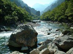 CarmonaTrujillo: Es más fácil variar el curso de un río que el cará...