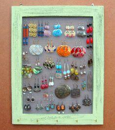 Cute earring holder