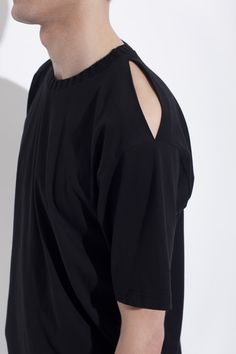 ORGANIC COTTON CREW NECK WITH OPEN SHOULDER