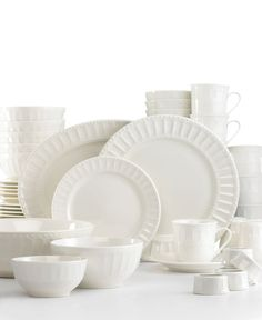 Dinnerware Set 46 Piece Plates Dishes Bowls Serving Platter and Bowl Salt Pepper #Gibson  sc 1 st  Pinterest & Celebrity chef Emeril Lagasse brings BAM to the dinner table. Serve ...