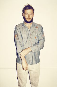 justin vernon of bon iver Sound Of Music, My Music, Justin Vernon, Bon Iver, Music Express, Indie Pop, Book Tv, Photoshoot Inspiration, Music Stuff