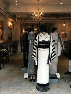 … Yukata Kimono, Kimono Outfit, Kimono Fabric, Japanese Outfits, Japanese Fashion, Asian Fashion, Japanese Clothing, Abaya Fashion, Kimono Fashion