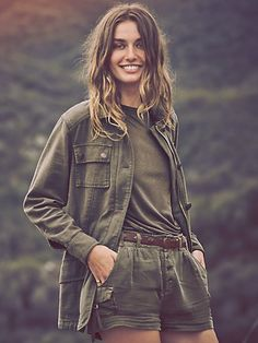 Safari look: The beauty of Africa in your outfits Safari Chic, Mode Safari, Safari Look, Fashion Mode, Look Fashion, Lolita Fashion, Fashion Boots, Mode Plein Air, Mode Style